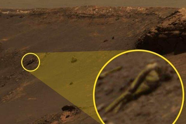 """I truthers sostengono di aver individuato un'altra """"statua umana"""" su Marte il mese scorso"""